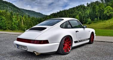 """Zeitloser Kult: """"Stance-Kur"""" für einen Porsche 911 (964)"""