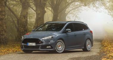 Schick: Ford Focus ST Turnier mit KW Gewindefahrwerk Variante 3