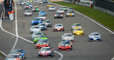 VLN: Vierter Saisonsieg für Mühlner Motorsport in der Cayman GT4 Trophy