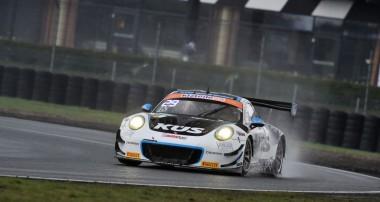 ADAC GT Masters: KÜS TEAM75 Bernhard fährt in die Punkte