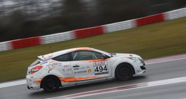 VLN: Endlich geht es wieder los – rent2Drive-Famila-Racing mit großem Aufgebot zum ersten Lauf 2019