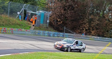 NLS: Derscheid Motorsport verteidigt dritten Platz