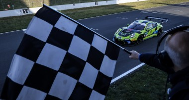 ADAC GT Masters: SSR Performance gewinnt mit Porsche und KW die Meisterschaft