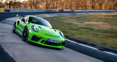 Onboard: Mit Kévin Estre im 520 PS starken Porsche 911 (991.2) GT3 RS MR in nur 6:49,656 min durch die Grüne Hölle!