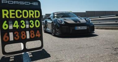 Porsche fährt auf der Nordschleife mit 6:43,300 Minuten einen neuen Rundenrekord